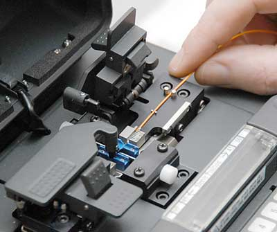fiber-optic-splicing-Dubai-Abudhabi-UAE